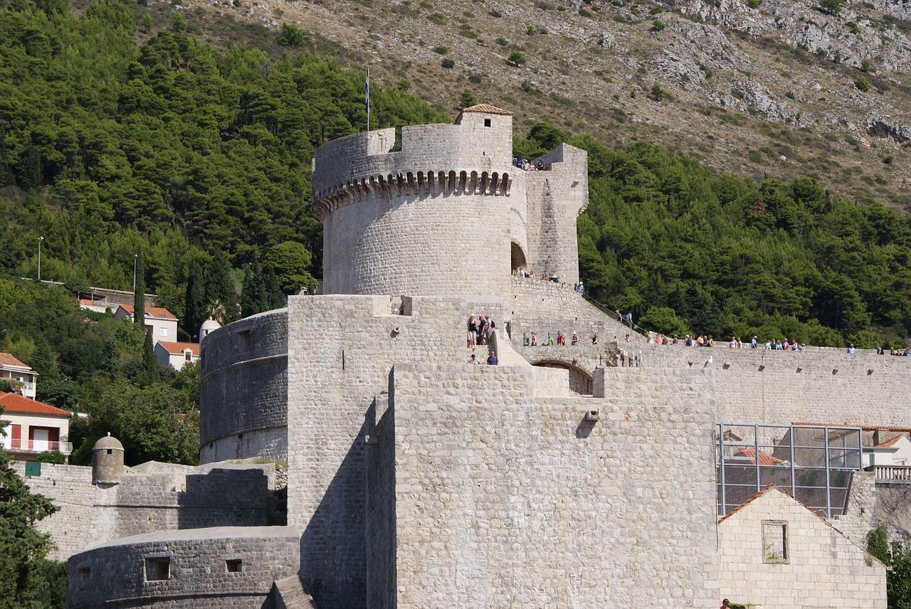Chorwacja na wakacje – czy warto jechać i jakie ubezpieczenie nas zabezpieczy