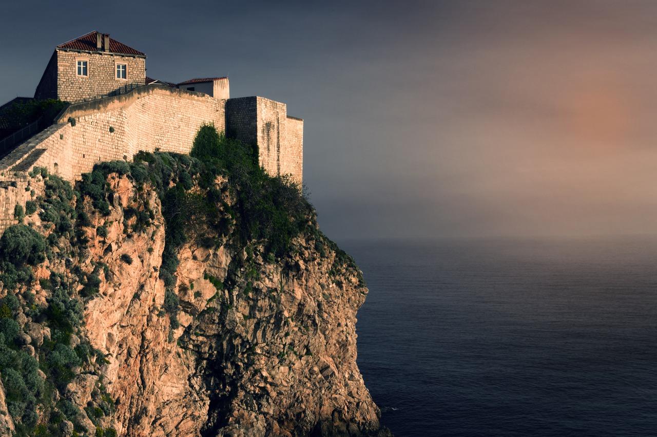 Jedziemy do Chorwacji w maju – EKUZ czy polisa turystyczna?