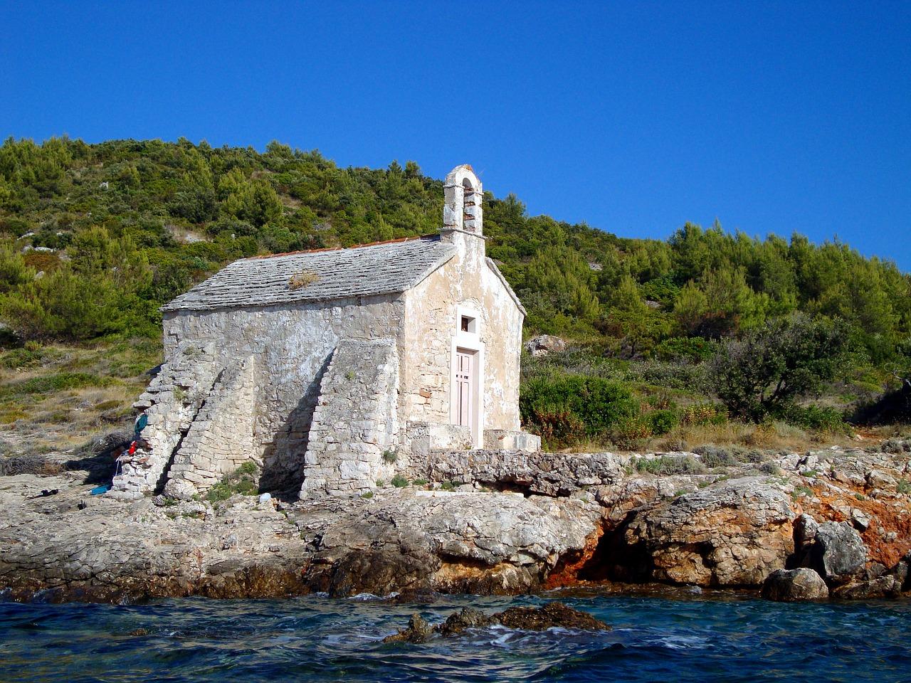 Chorwacja – co zwiedzić w tym pięknym kraju i jakie ubezpieczenie wybrać